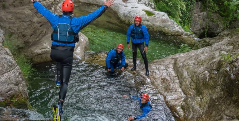 Rafting river trekking